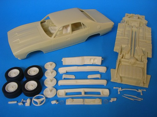 TPB Models 1/25 Ford Falcon XB GT 4-Door Kerbside Pack (Resin) image