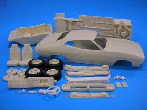 TPB Models 1/25 Ford Falcon XB 2-Door Kerbside Pack (Resin) image