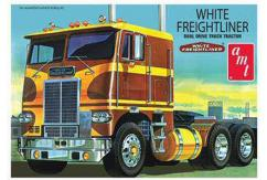 AMT 1/25 White Freightliner Truck image