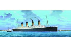 Trumpeter 1/200 RMS Titanic Ocean Liner with LED Lights image