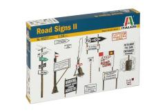 Italeri 1/35 WWII Road Signs image