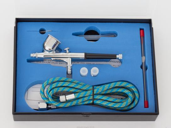 Fengda Basic Gravity Fed Airbrush with Accessories image